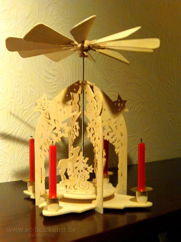 laubs gearbeit weihnachten beleuchtete fensterbilder. Black Bedroom Furniture Sets. Home Design Ideas